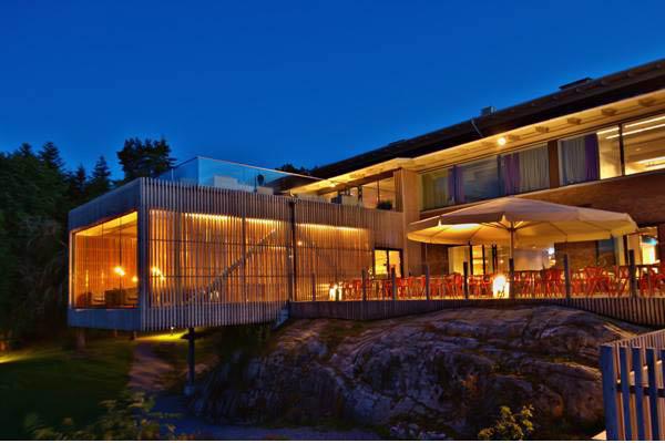äkta hotell eskort runka nära Göteborg